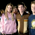 "16 Reasons No Show Is More Millennial Than ""The O.C."""