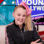 """Jojo Siwa Gave Her """"Wonderful Girlfriend"""" An Amazing Shout-Out At The 2021 GLAAD Media Awards"""