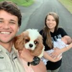 Chandler Powell Twins With Daughter Grace Irwin After Gifting Her A Beautiful Australia Zoo Khaki Shirt